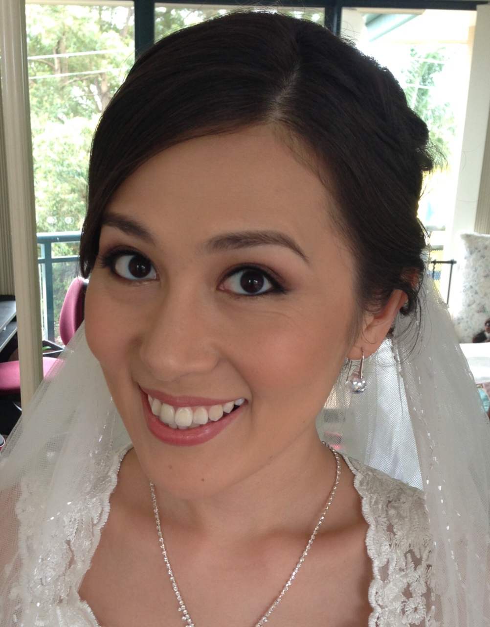 professional wedding make up pros and cons As a successful event professional, i must make my  pros/cons and why waterfront peeps should love them  here are a few pros and cons about.